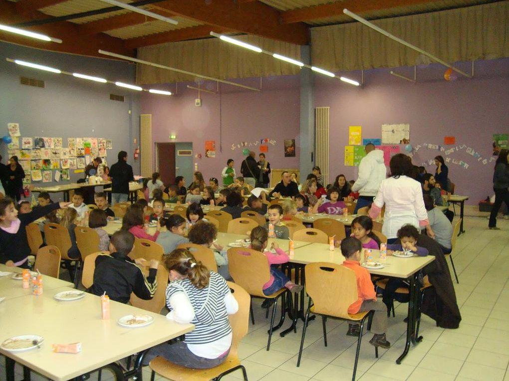 Inauguration du sentier des droits de l'Enfant le 2 décembre 2009 par les Francas et la Commune de Béhren Les Forbach