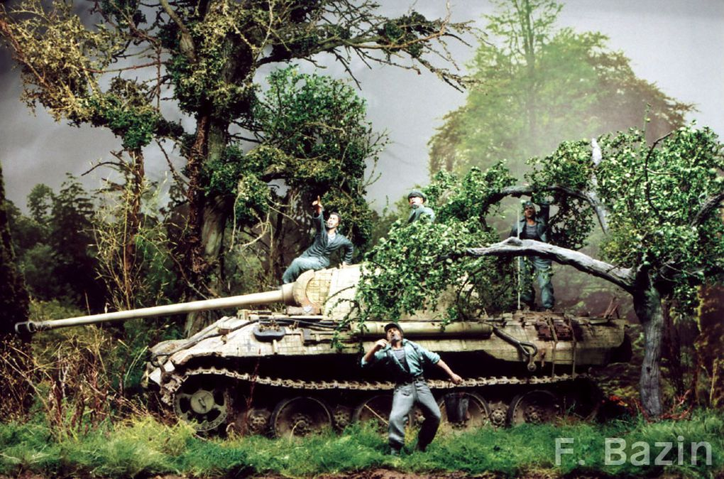 """Context of the diorama: A """"Pz-Lehr.Regt 130""""  Panther is taking ambush position in the early morning of 25 July 1944 south of the St Lô- Périers road. At the same time, the first wave of allied fighter-bombers marks the launch of """"Operation Cob"""