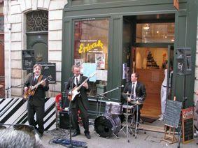 """Boutique associative Erleak : concert du groupe gersois """"the Yellow Submarine"""" à l'occasion des fêtes de Bayonne 2009."""