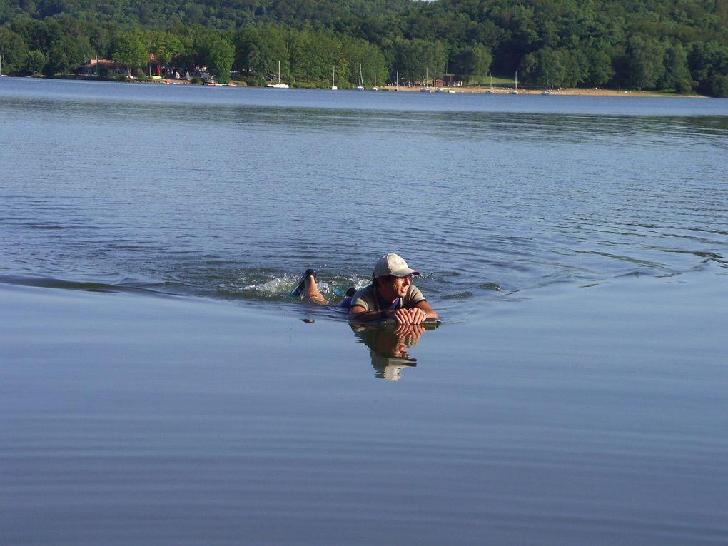planche + palmes + combi shorty + lac = palmboard au lac de saint Pardoux près de Limoges