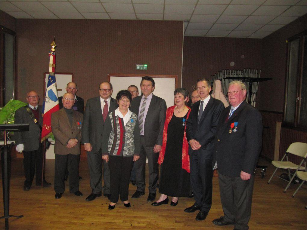 Félicitation à Mesdames Simone Thireau, Maire de Saint-Cyr-le-Gravelais, et Josette Bourgeois, Maire de Montreuil-Poulay