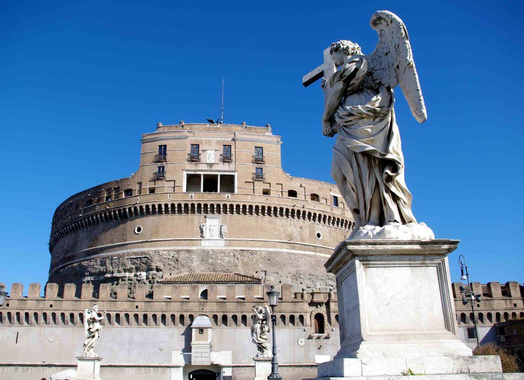 Quelques images d'un séjour en septembre dans la capitale italienne, d'une grande richesse artistique et architecturale.Bonne visite !