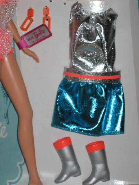 Barbie Twist & Turn rousse repro pour les 50 ans de Barbie et Barbie Hair Fair originale-