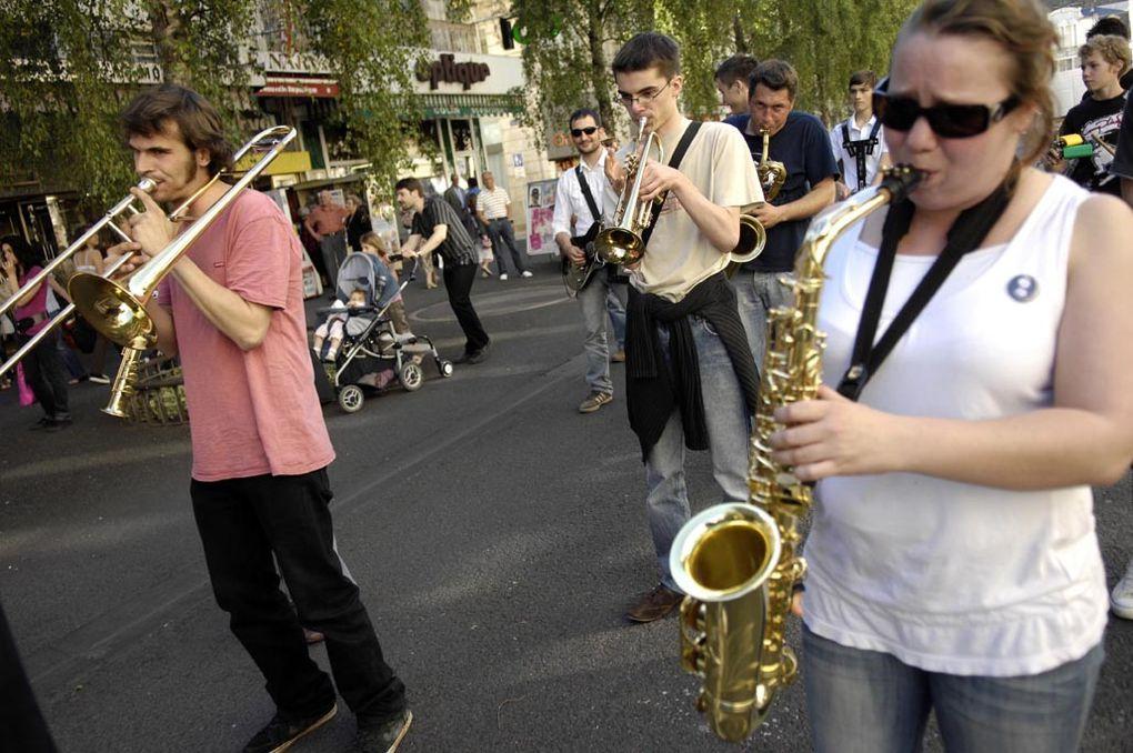 Album - Sortie publique Atelier musique de Rue 30 mai 2009