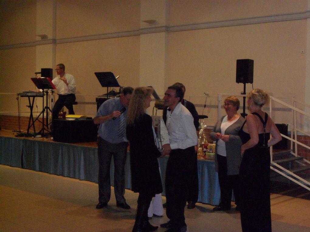 Le dimanche 07 novembre avait lieu à la salle des fêtes notre 6 ème Thé Dansant animé par l'orchestre AMBIANCE.L'ambiance fût assurée et les danseurs venus nombreux content de leur après midi.Rendez-vous est donné l'année prochaine