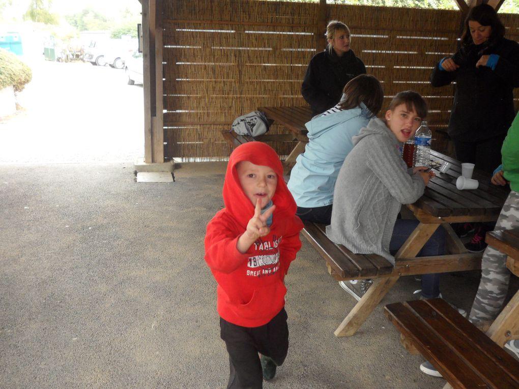 Le samedi 21 sept, ESQUERDES-LOISIRS organisait une deuxième journée pêche a Larre.Le temps était même meilleur qu'au mois d'avril.152 truites ont été remontées sur les 40 kgs. La grosse a été loupée.