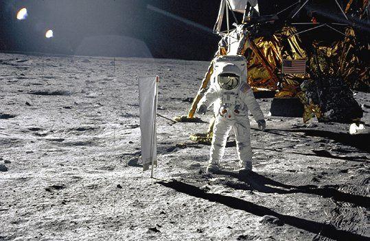 Quelques photos capturées sur le Net des astronautes américains.