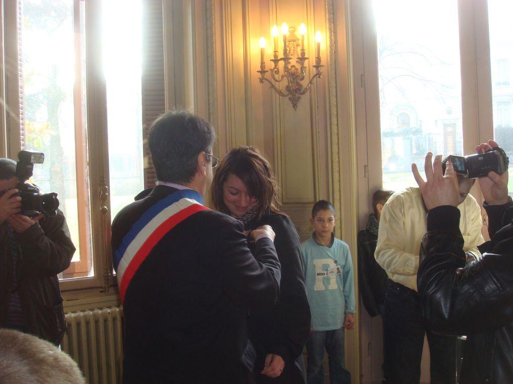 Les jeunes de la ville ont voté. Les nouveaux élus ont été accueillis par le maire et ses conseillers municipaux. Le CMJ 2ème génération ainsi constitué s'est retrouvé au Service Jeunesse pour une première réunion.