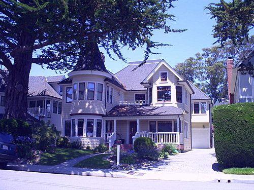 Florence et moi en vacance a Santa-Cruz , en Californie ( ete 2010 ), chez mon frere Christophe , Claire et leurs 2 garcons , Lucas et Benoit !
