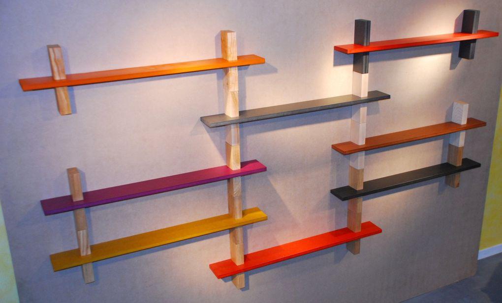 l'étagère 1 St Floor, du bois massif, de la couleur et de la modularité.