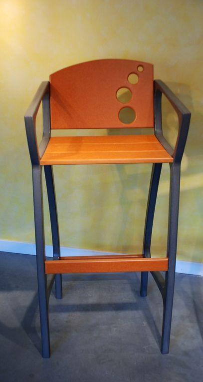 Des tabourets de bar sympa confortables et originaux, design BullE en Valchromat.