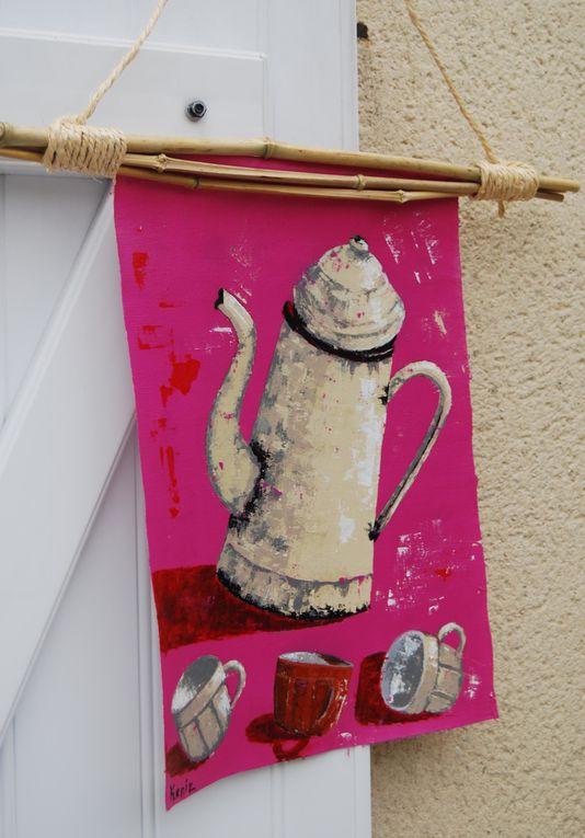 Réalisation de petits tableaux déco pour la cuisine avec objets rétro, contemporains et ethniques....