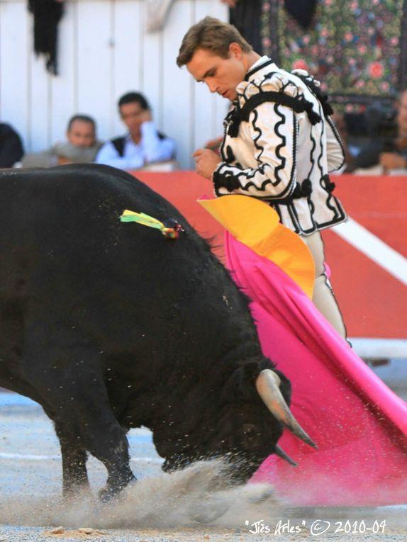 FERIA DU RIZ 2010 à ARLES - Corrida Goyesque du samedi 11 septembre à 17H30 avec 1 Toro de Bohorquez pour Manuel MANZANARES et 6 Toros de Daniel RUIZ pour EL JULI et JUAN BAUTISTA (Sobresaliente Charly EL LOBO)