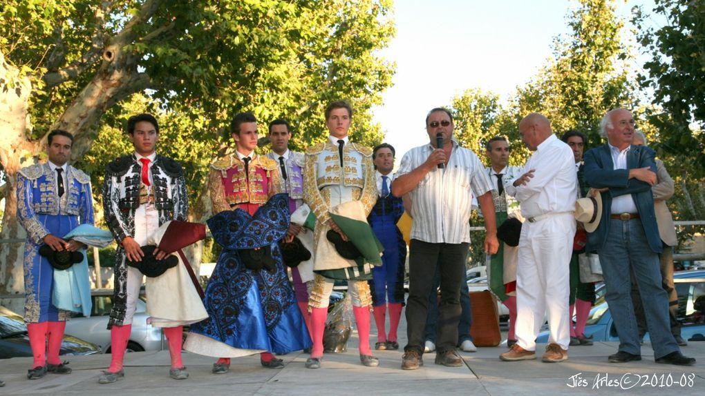 Novillada non piquée (Trophée NIMEÑO II) dans les arènes de BELLEGARDE le 29 août 2010 avec 6 becerros des Frères GALLON pour Juan LEAL (Vainqueur), Matéo JULIAN et Fabio CASTAÑEDA