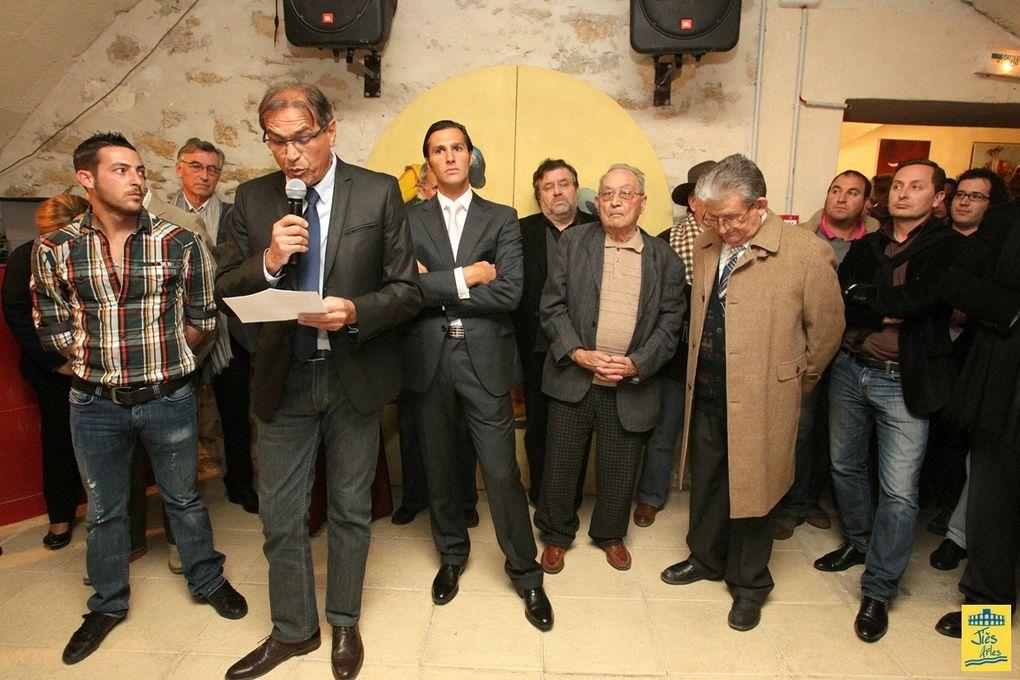 Jeudi 8 décembre 2011 à la Bodega de la Société taurine LA MULETA d'Arles ...Soirée de remise des Trophées de la Temporada 2011 à André LOPEZ, Julien REY, CT LA UNICA et David MORA.