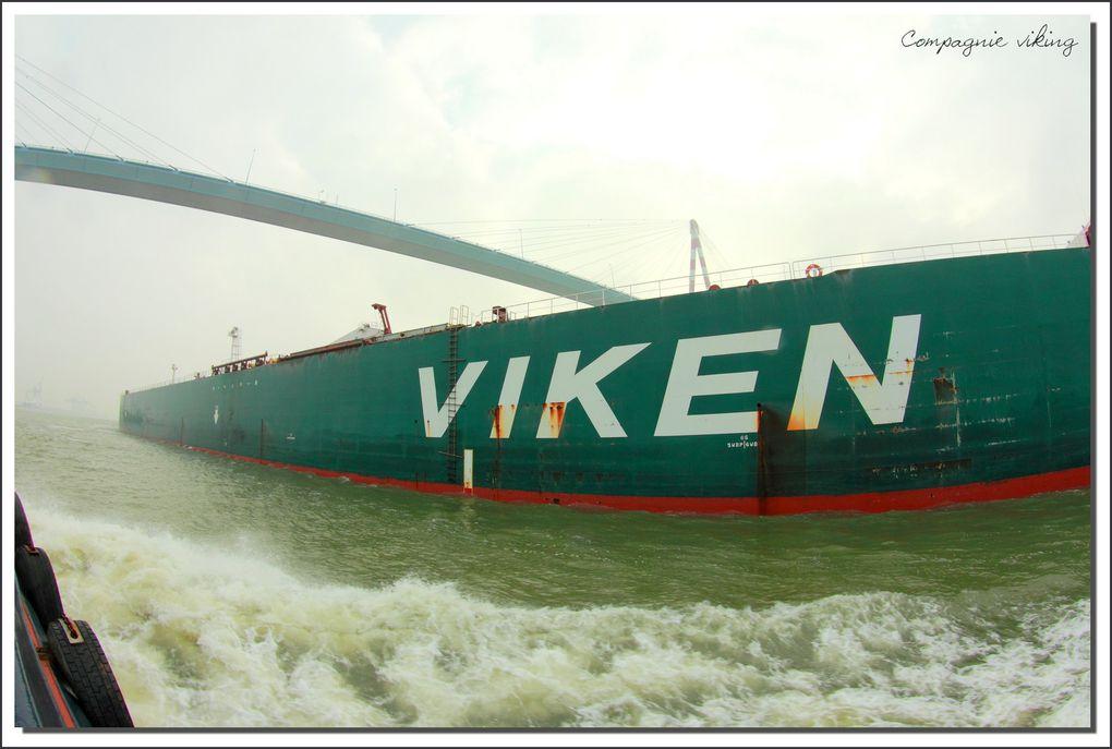 Accostage du pétrolier Erviken vu depuis le VB Saint-Brévin