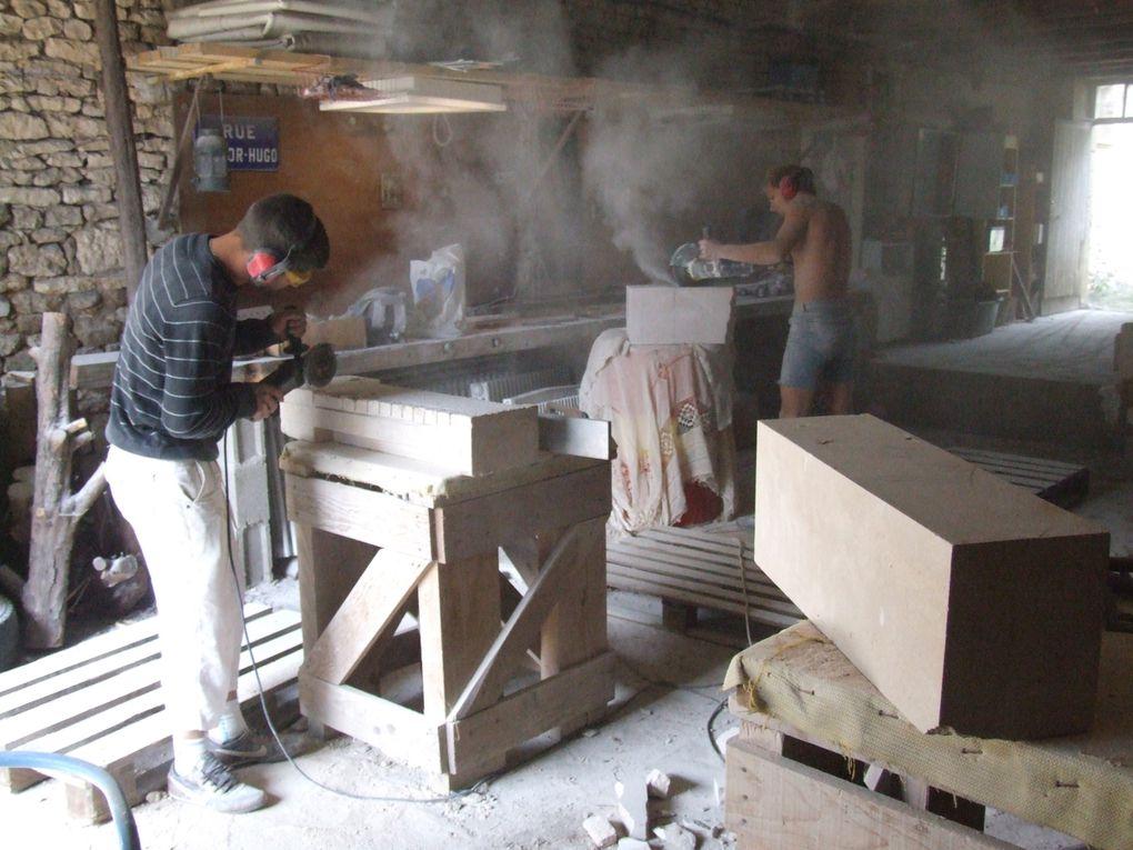le condensé de quatre ans de travail des tailleurs et tailleuses de pierre qui sont passés a la maison