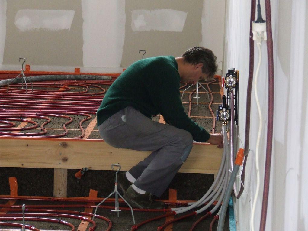 Le roman-photo des travaux de la salle multi-activités depuis juillet 2009.
