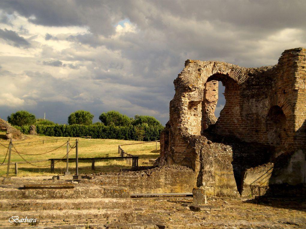 Un Villa talmente grande da essere scambiata per una città ... Apparteneva ai nobili fratelli Quintili che Commodo fece uccidere per impossessarsi proprio di questo magnifico luogo e farne la sua residenza preferita