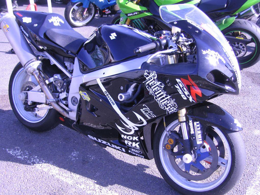 Amicale-Motocycliste-Brestoise-2013 à CaroleDémonstration, motos et side-cars de vitesse
