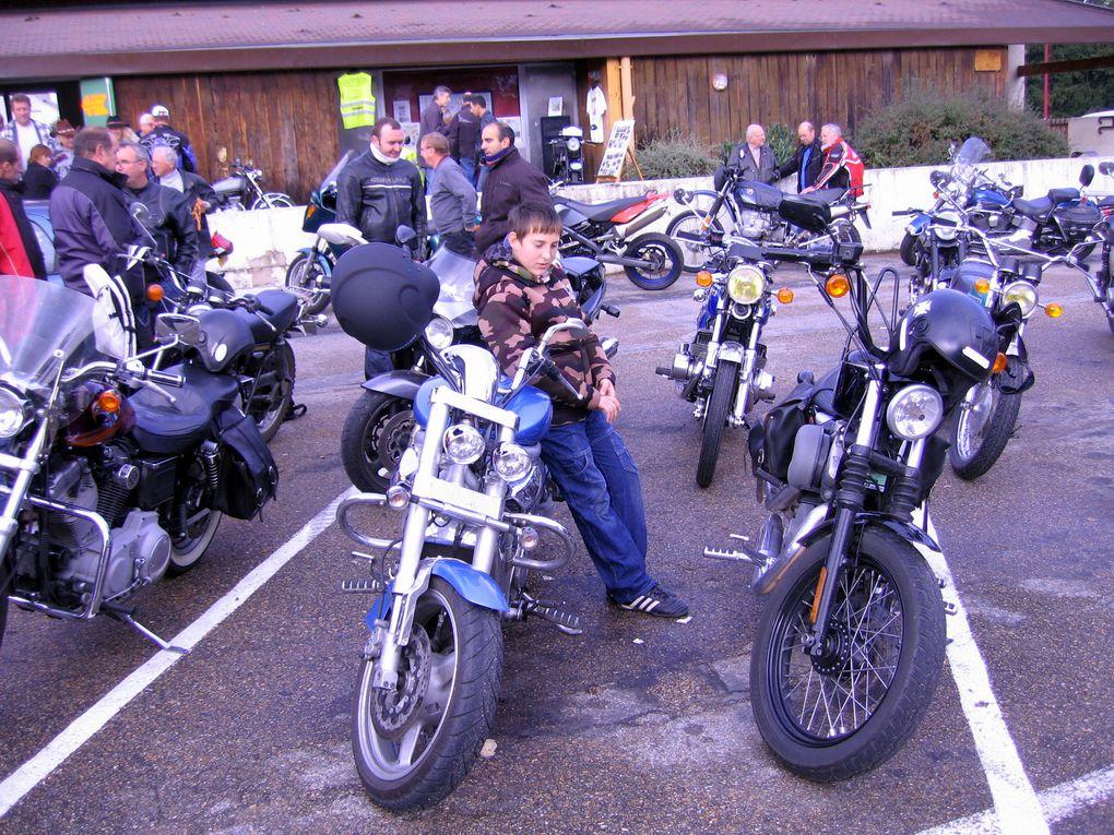 Bourse-expo-Motos anciennes à TRILPORT 24 octobre 2010Organisée par L'asso Moto Retro Zampano