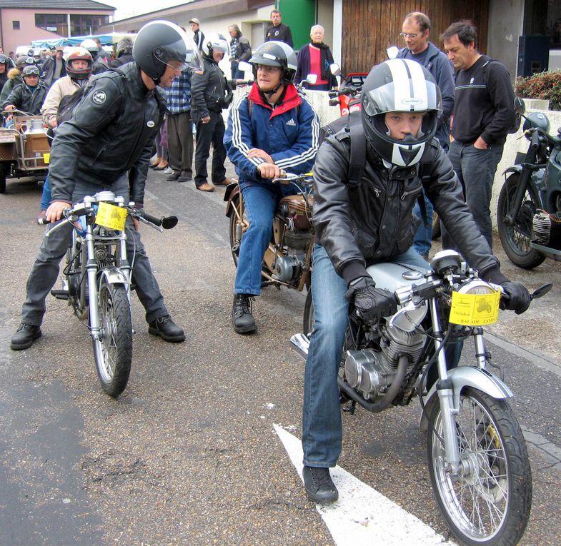 Bourse exposition motos anciennes à TRILPORT 77 le 25 octobre 2009