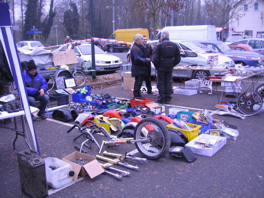 Vide garage bourse moto expo side car Boutigny 2014