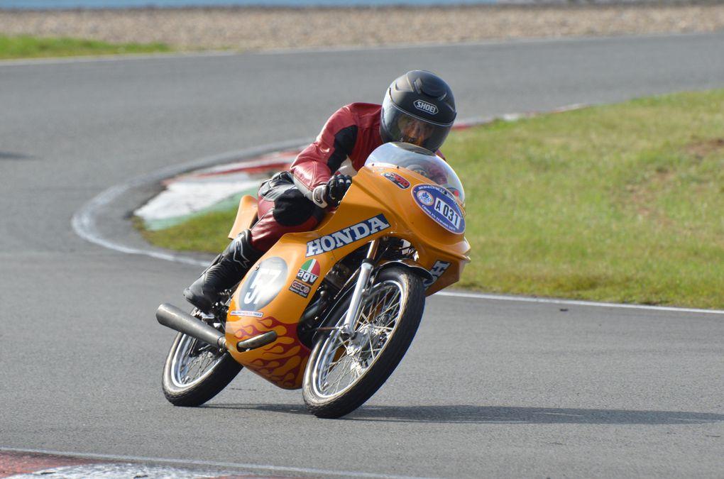 Photos piste CAIMAN 2014, démonstrations sur piste motos et side-cars anciens Croix en Ternois