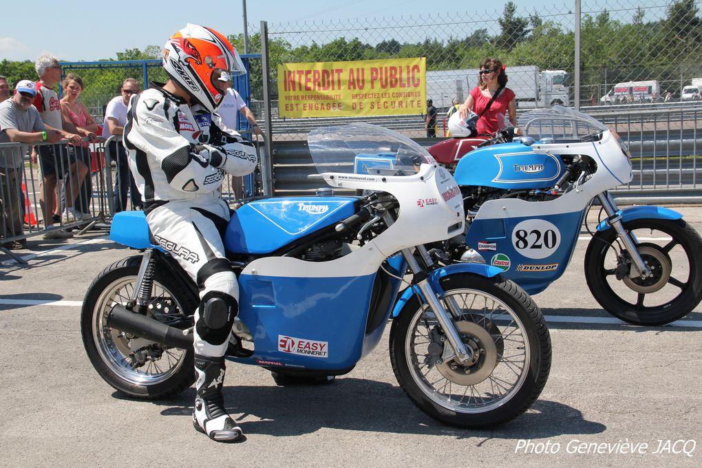 Photos Coupes Moto Légende 2012 à Dijon Prenois20 em anniversaireDémonstrations motos et sides anciens de vitesse