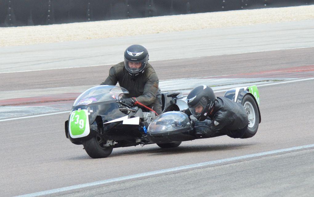 Coupes moto Légende 2014 photos pisteDémonstrations Motos et side carDijon Prenois