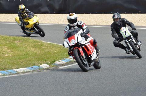 Iron Bikers 2014 Caroledémonstrations motos anciennes course, réplica, bitza, de caractère sur piste