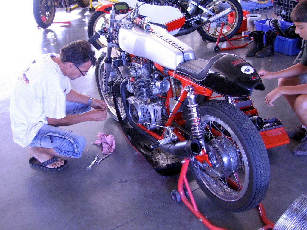 Journées-Coyote-2010-Démonstration motos et sides anciens