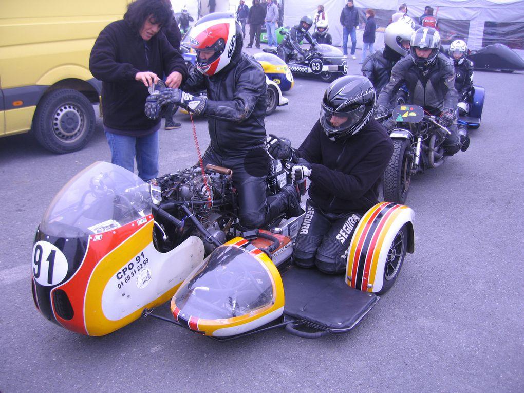 La main au panier 20147 eme sidecar partyLurcy LevisDémonstrations side car sur piste vitesse, anciens, F1 F2, rallyeL'année du singe