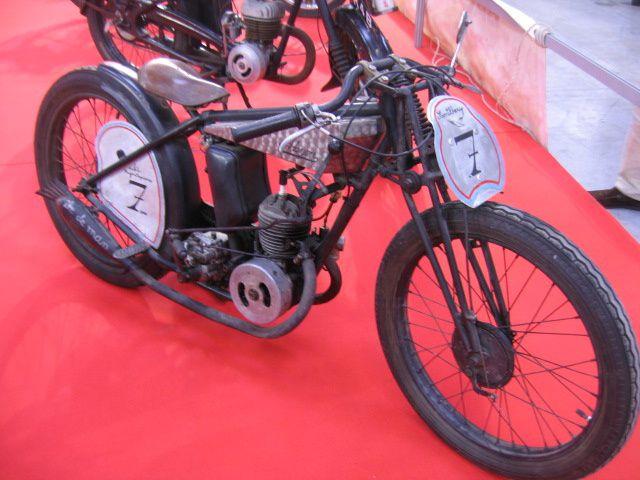 MOTORAMA-2012 Exposition Moto et voitures anciennes Le Bourget 2012