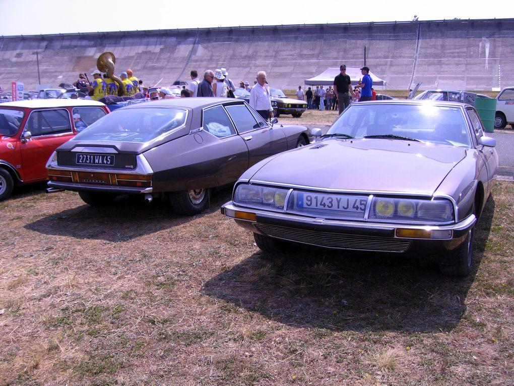 Autodrome Heritage Festival 2011 Linas Montlherydémonstration voitures et motos anciennes de course et de sport