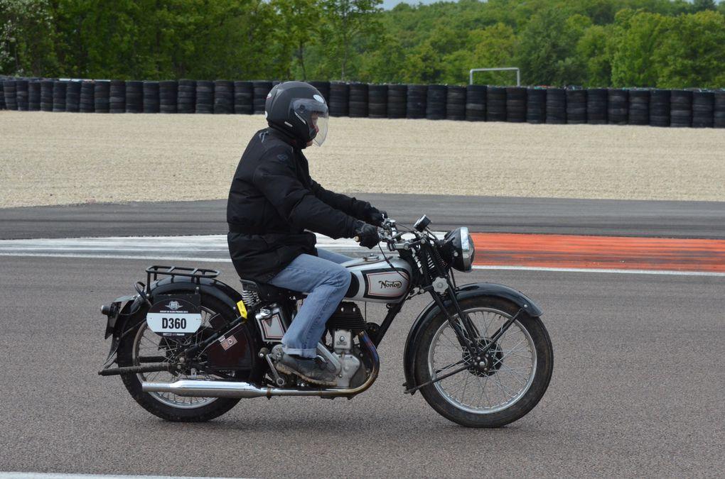 Coupes Moto-Legende 2013 Dijon PrenoisDémonstration piste motos  Endurance et Grand Prix
