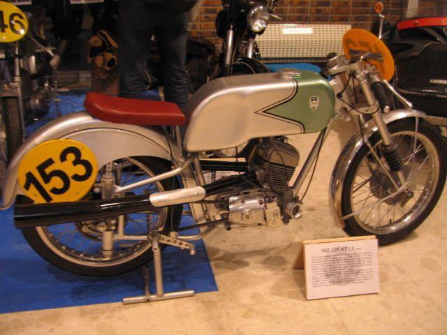 Salon-MOTOLEGENDE-2012 parc floral de VincennesExposition bourse motos anciennes