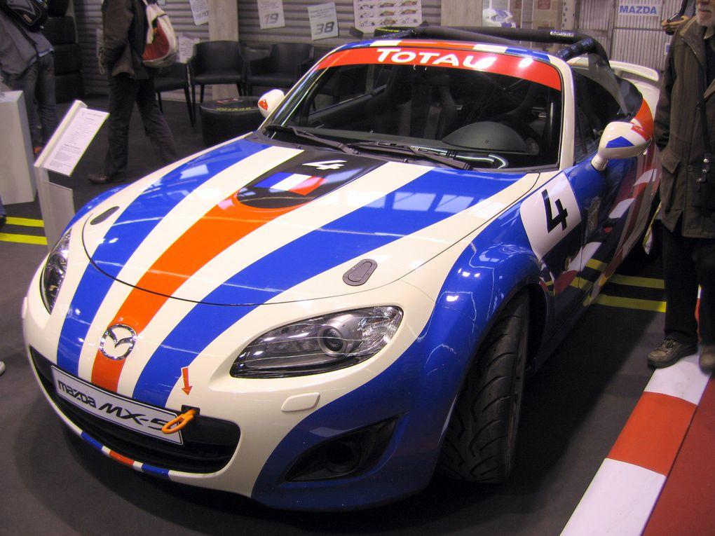 Salon-RETRO-MOBILE-2011Exposition de motos et voitures anciennes et de collection à Paris porte de VERSAILLES