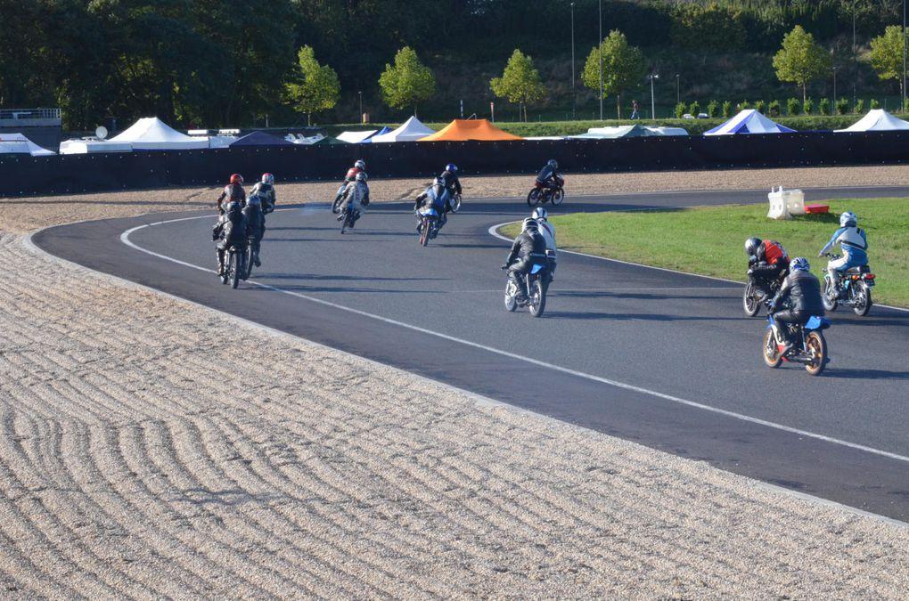 TROPHEES Gerard JUMEAUX 2013Circuit CaroleDémonstrations motos et side car anciens de course