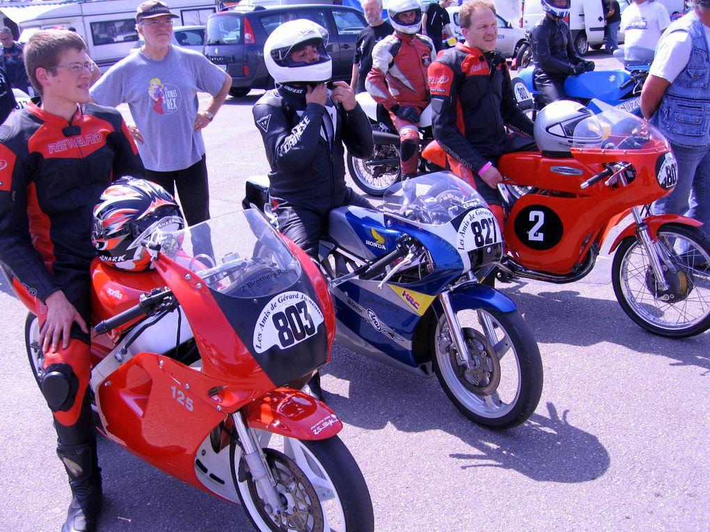 Trophees-Jumeaux-2010 Croix en TernoisDemonstrations motos et sides anciens sur piste