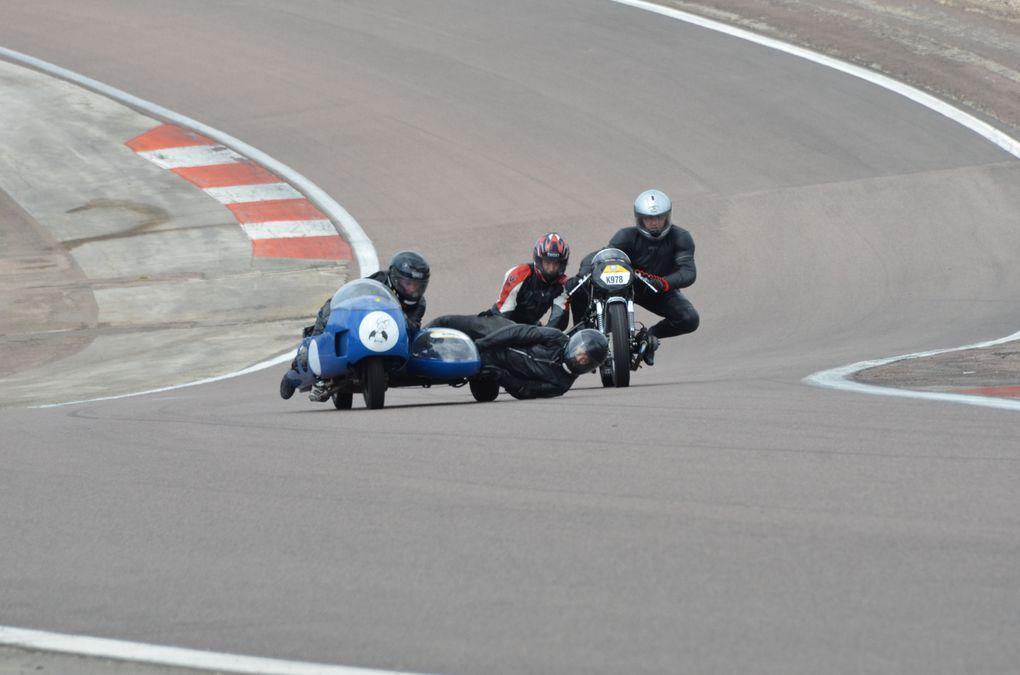 Coupes Moto-Legende 2013 Dijon PrenoisDémonstration piste sides