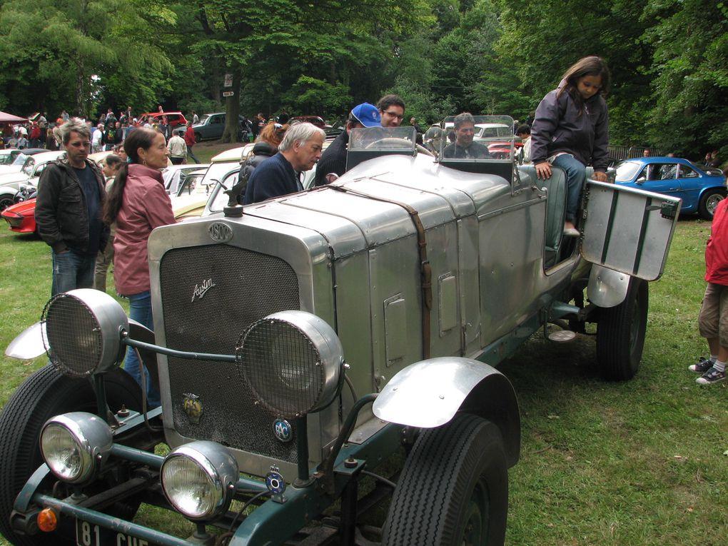 Rassemblement de mécaniques anciennes le 19 juin 2011