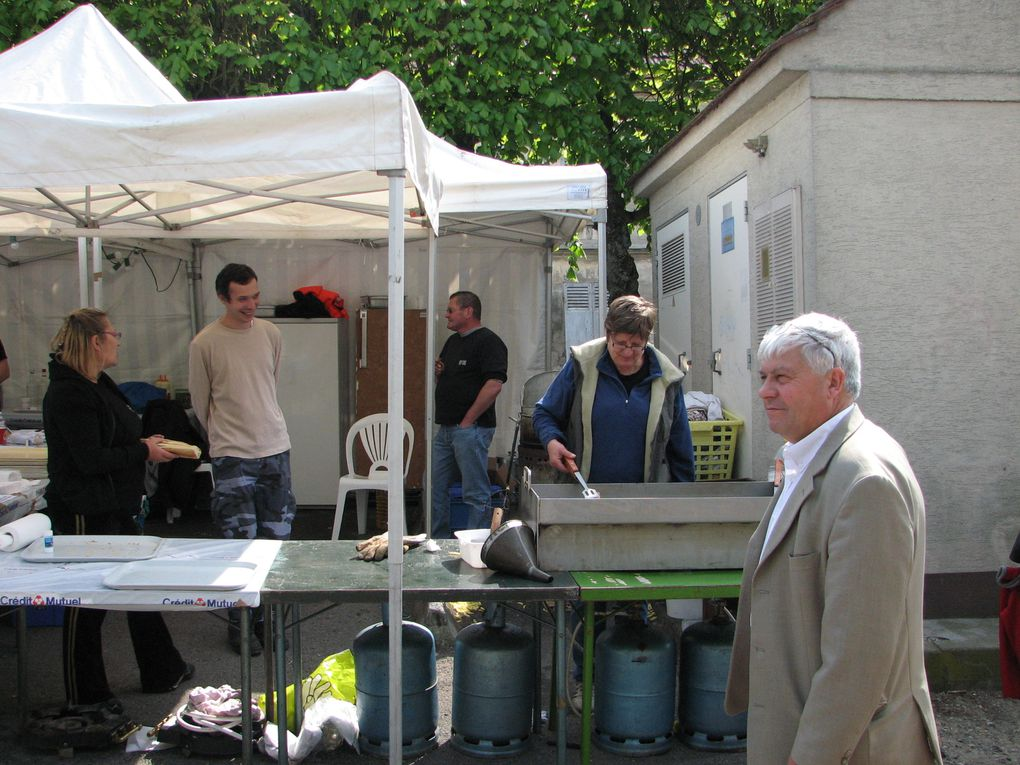 Le 9 mai 2010 sur la place de al République et la rue Pasteur