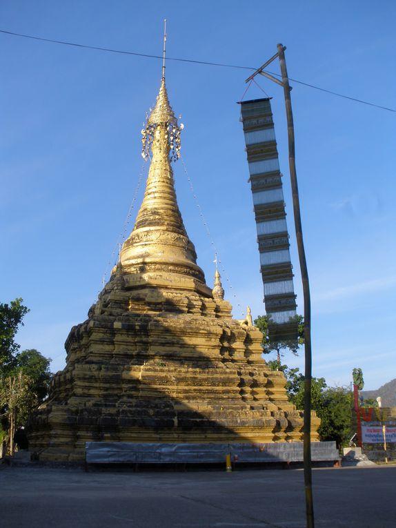 Puis la route de Khun-Yuam et enfin le retour a Mae-Hong-Son.