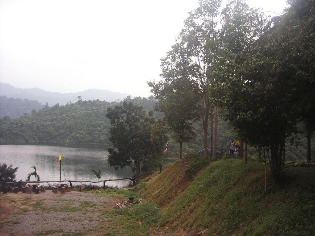 Une belle balade qui nous mènera au barrage hydraulique de Tchioo-Laan, province de Surat-Thani. Thaïlande du sud.