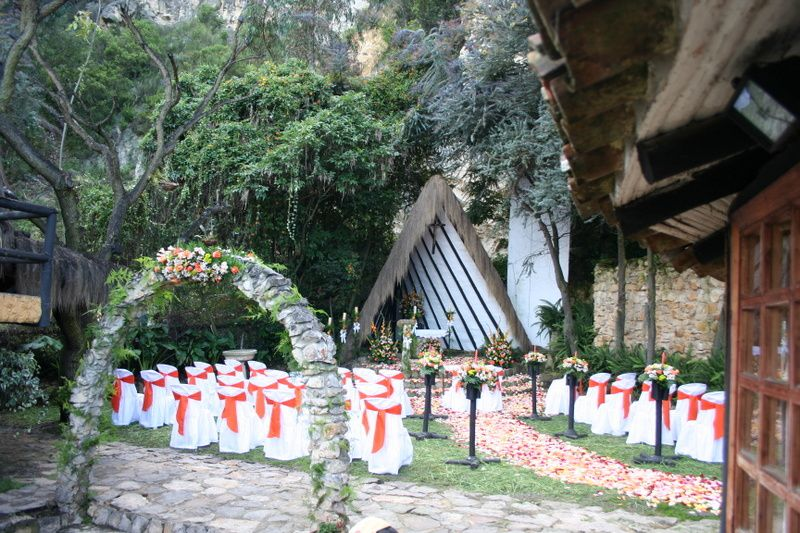 "Capilla llamada ""La Sagrada Familia"" en honor a la Sagrada Familia que fundan los novios."