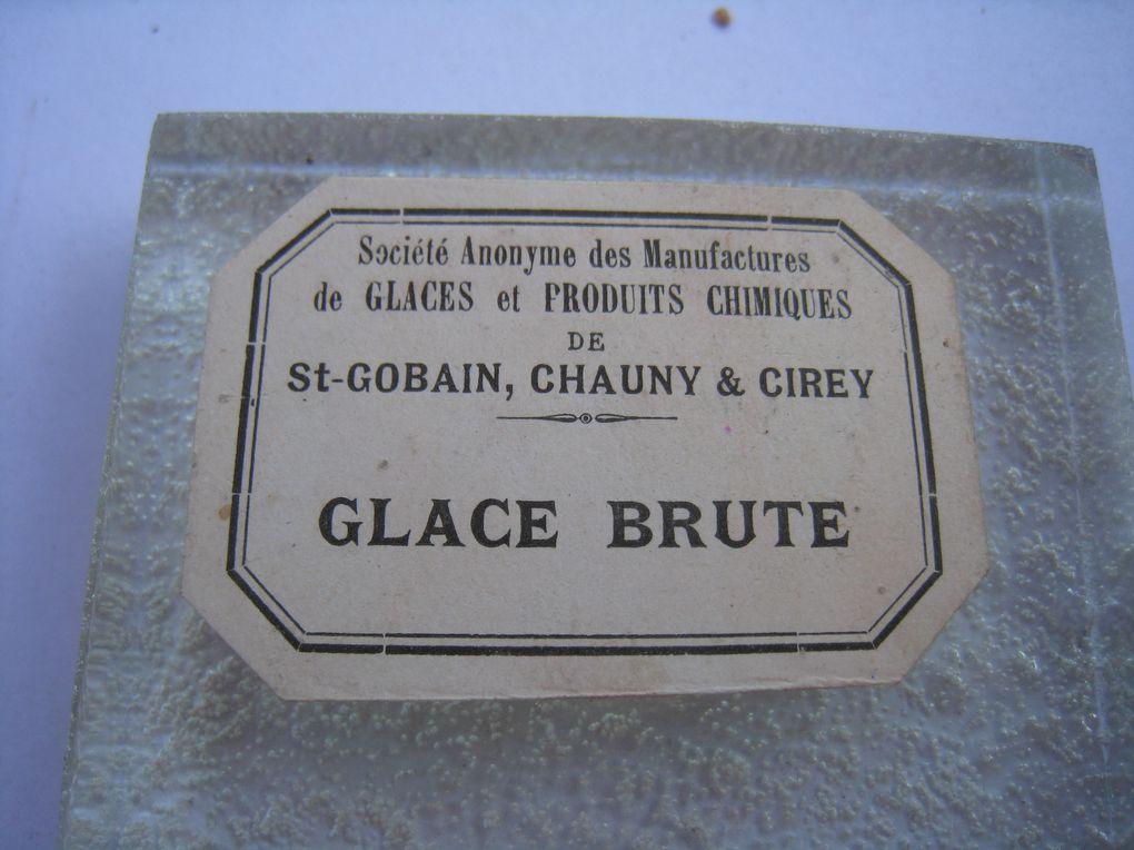 Album - BOITE ECHANTILLONS des PRODUITS FABRIQUES par SAINT-GOBAIN CHAUNY CIREY
