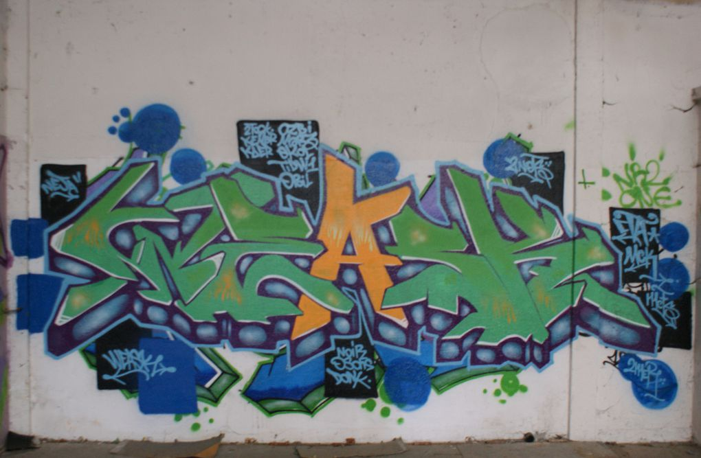 Album - Graffitis-Dept-71-divers-Tom-001