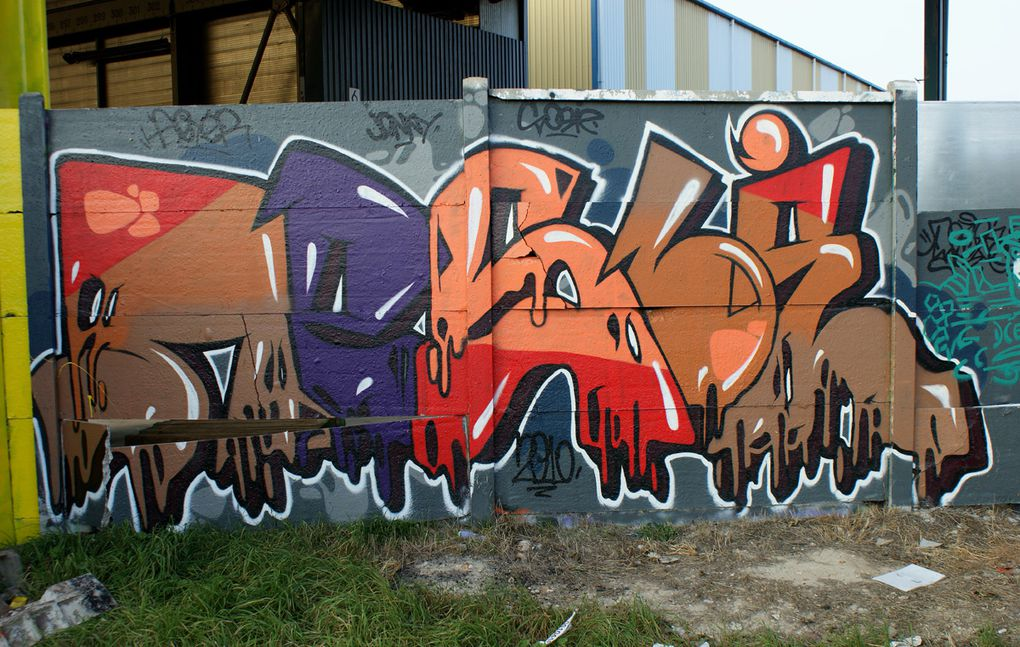 Album - Graffitis-Dept-94-Divers tom 001