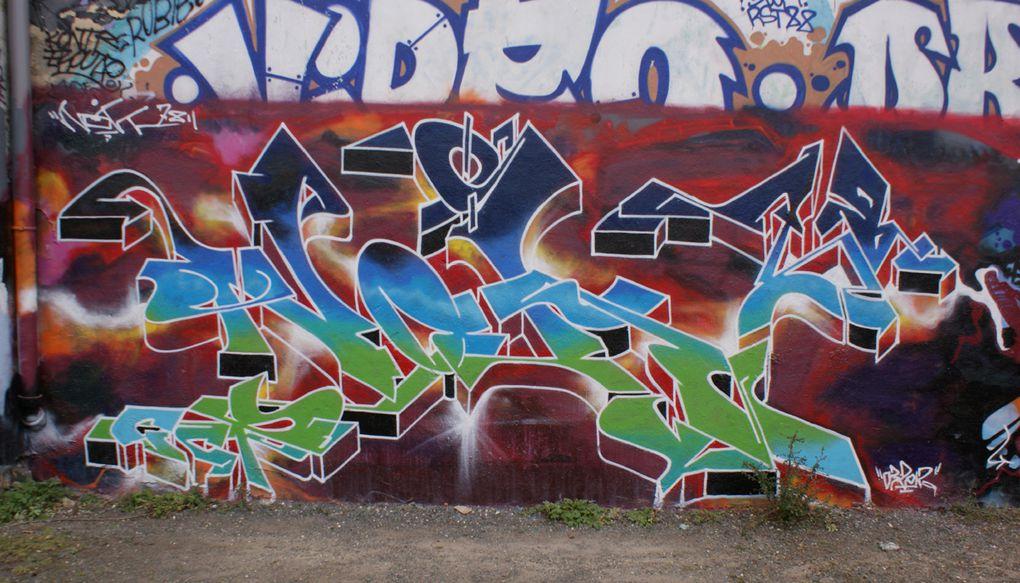 Album - Graffitis-IVRY-sur-Seine-Tom-015
